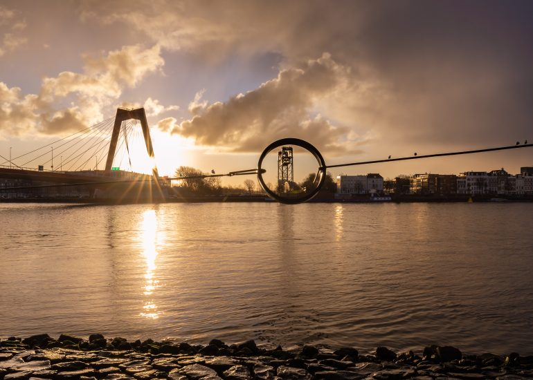 Zonsopkomst Willemsbrug en de Hef na een regenbui