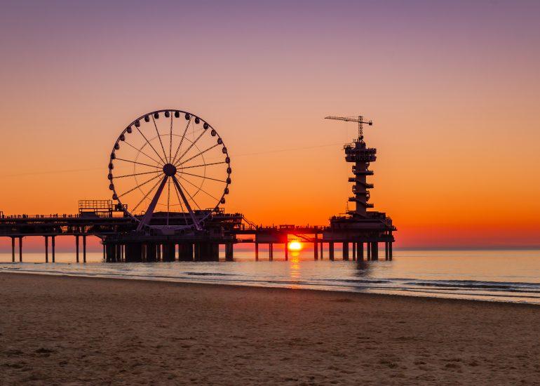 Zonsondergang achter de Pier in Scheveningen