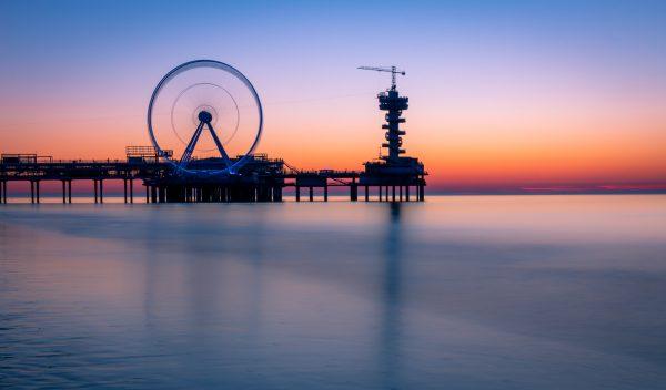 De Pier Scheveningen na zonsondergang