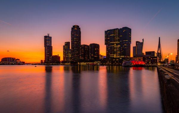 Skyline Rotterdam vanaf Rijnhaven