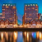 Het blauwe uurtje aan de Levie Vorstkade (Rotterdam)