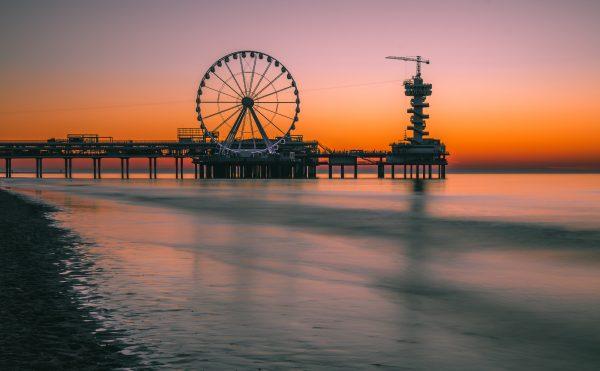 De Pier in Scheveningen (na zonsondergang)