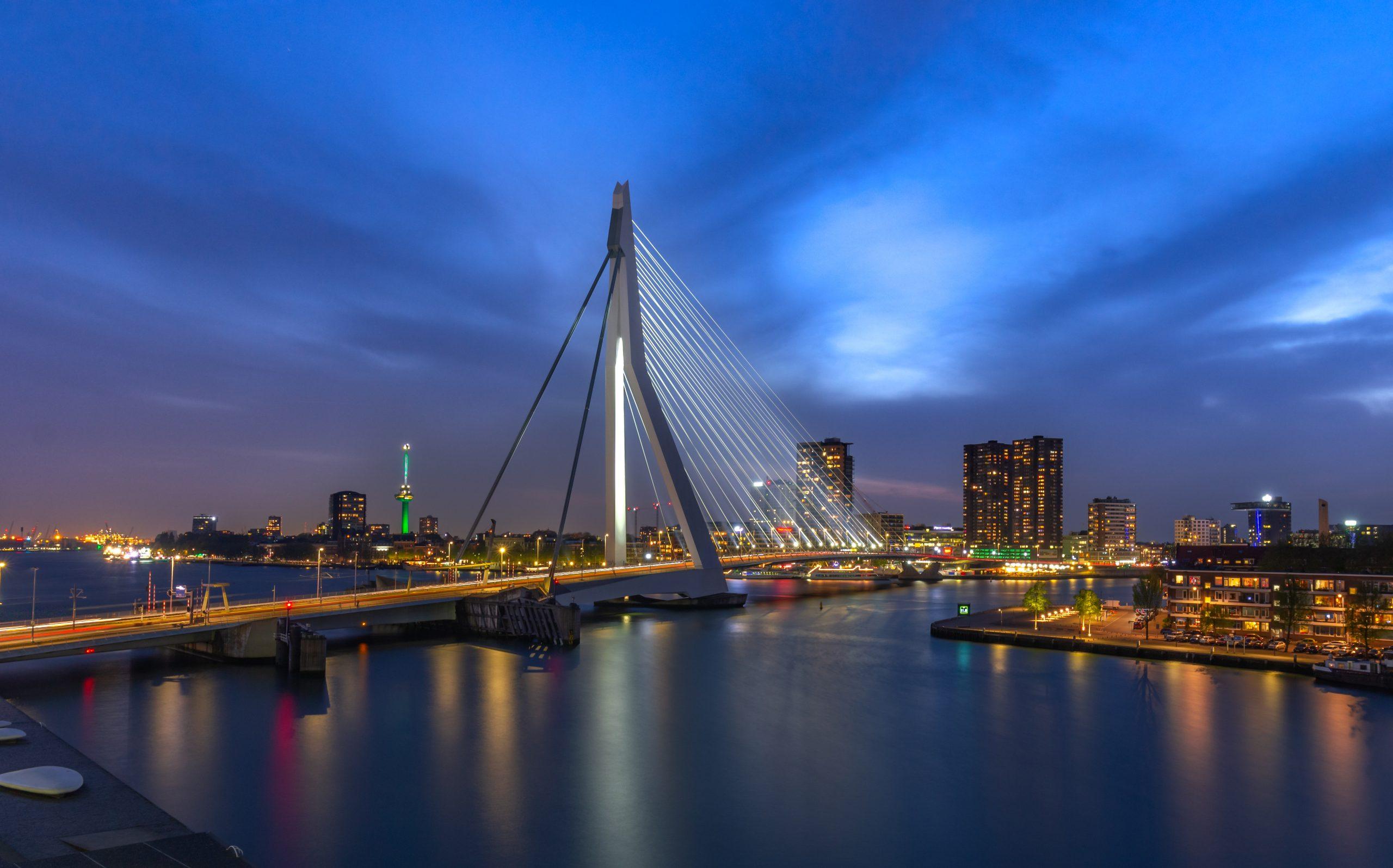 Het blauwe uurtje in Rotterdam