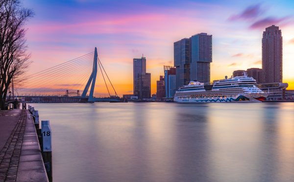 Rotterdam in volle ochtendglorie
