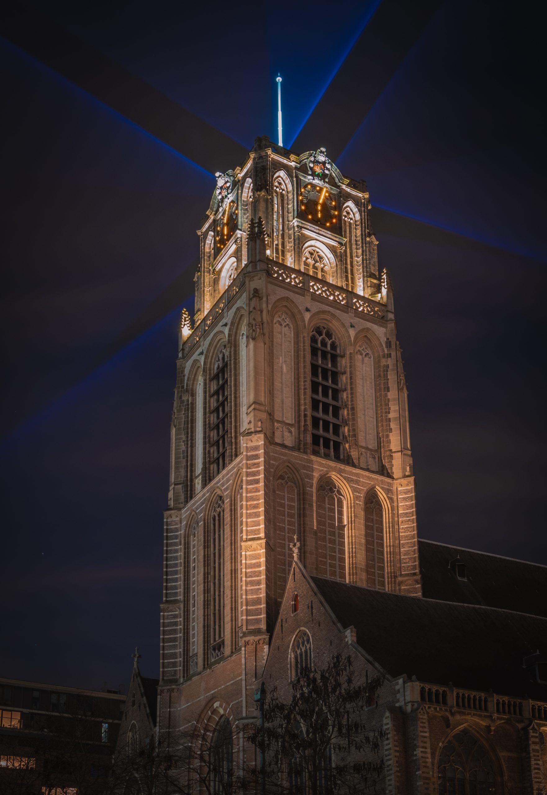 Lichtshow op de Laurenskerk
