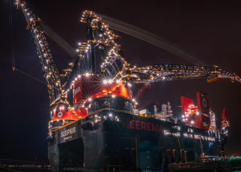 Sleipnir, grootste kraanschip ter wereld