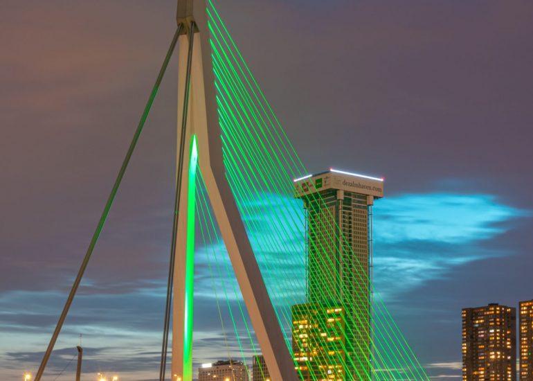 De Erasmusbrug kleurt groen!